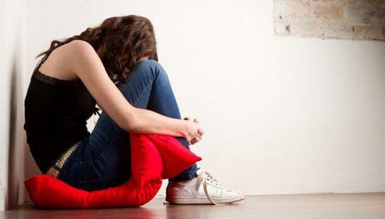 Причины депрессии у женщин и мужчин: список факторов