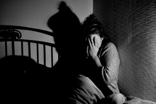 Айхмофобия: что это, как проявляется и лечится такая фобия