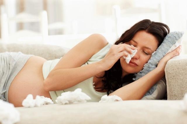 Депрессия во время беременности: симптомы и лечение