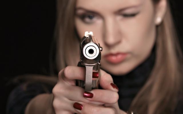 Признаки психопатии у женщин: триада психиатра Ганнушкина