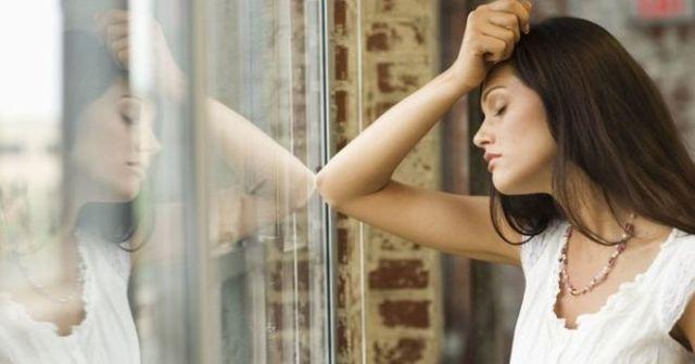 Депрессия у женщин: симптомы и способы лечения
