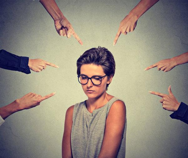 Социофобия: что это, причины, симптомы и лечение болезни