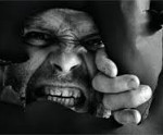 Садизм: что это, какими симптомами проявляется и как лечится