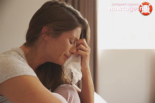 Причины плаксивости у женщин: какие они