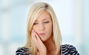 Дергается верхняя губа: причины, устранение дискомфорта