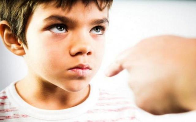 Отклоняющееся поведение: что это, признаки и его коррекция