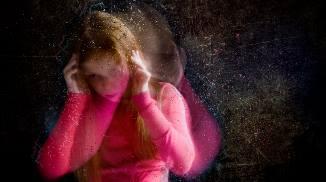 Персеверация: что это такое, ее симптомы и методы лечения