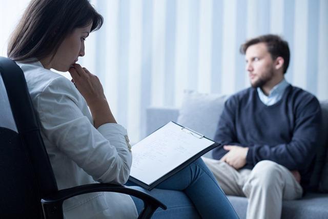 Ажитированная депрессия: симптомы и лечение
