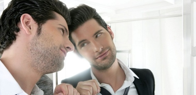 Нарциссизм: что это, его проявления и методы лечения