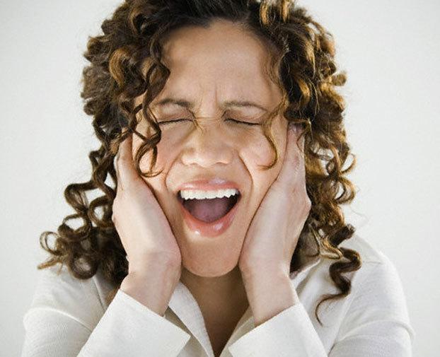 Истерический невроз: что это, его симптомы и методы лечения